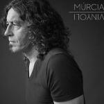 """Recomanacions de poesia: """"A través de Vinyoli"""", de Xavi Múrcia"""