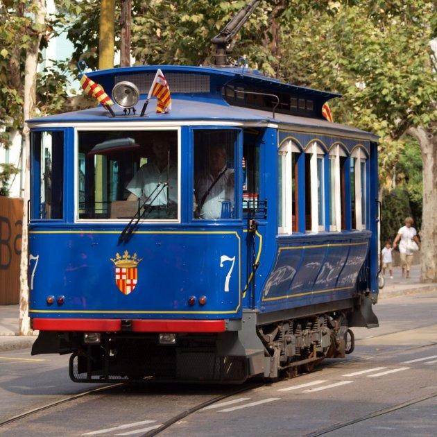 Old_tram_at_Barcelona_AlfvanBeem. Viq_1_630x630